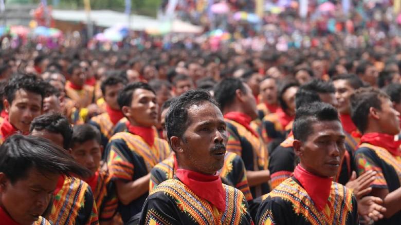 Tari Saman Kolosal di Gayo Luwes, Aceh