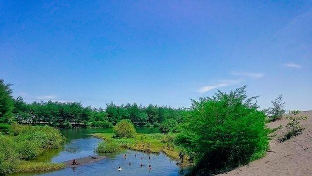 Pantai Laguna Kebumen