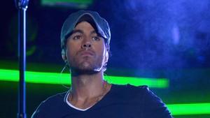 Gemas! Saat si Hot Daddy Enrique Iglesias Main Bareng Bayinya