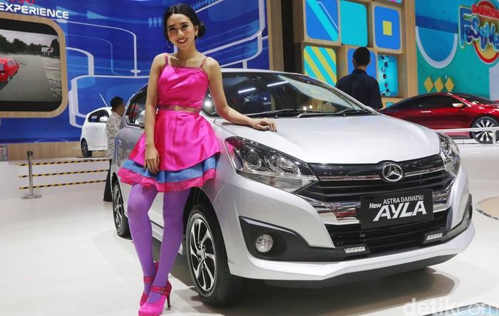 Meski saat ini Multi Purpose Vehicle tengah kembali seksi di Indonesia, persaingan mobil-mungil di Indonesia tetap memanas. Mobil-mobil mungil yang hadir di pameran otomotif itu antara lain Suzuki Ignis, Toyota Agya, Daihatsu Ayla, dan Honda Brio.