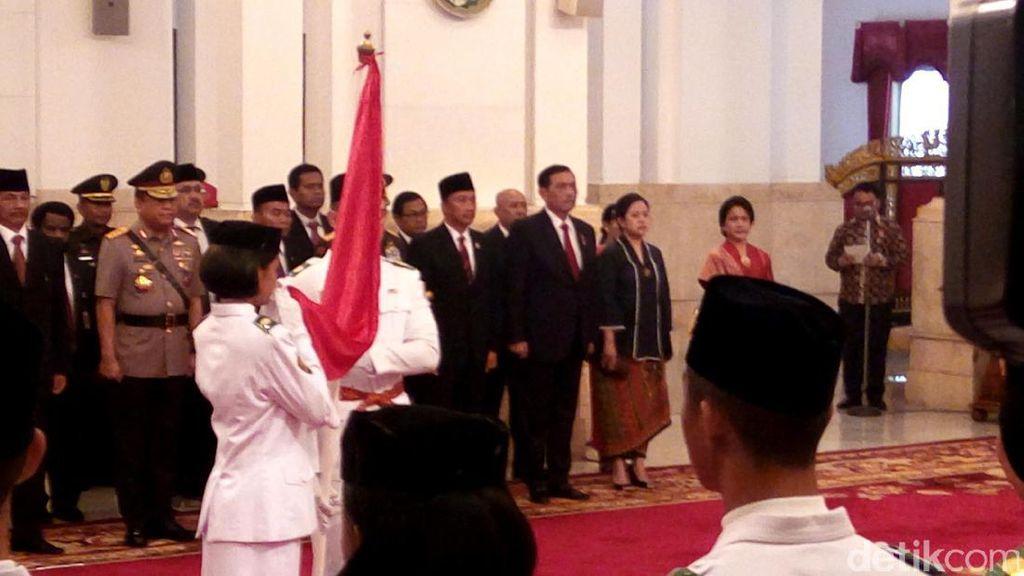 Dikukuhkan Jokowi, Mereka Akan Kibarkan Sangsaka Merah Putih