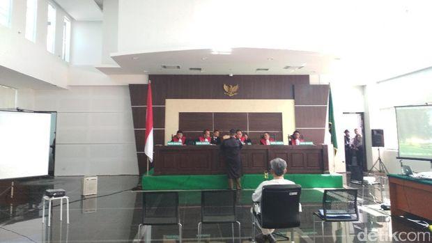 Sidang Buni Yani, Selasa (15/8/2017)