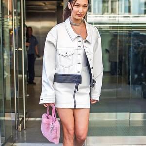 Tren Sepatu Boots Putih, Jadi Incaran Adriana Lima dan Bella Hadid