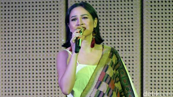 Andien Ajak Kawa saat Launching Video Klip Baru