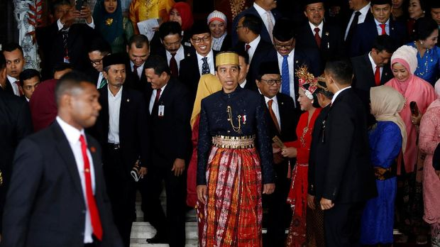 Strategi Jokowi Bertahan di Istana Jelang Deadline 2019