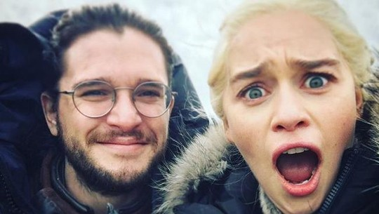 Emilia Daenerys Clarke, Si Seksi Namun Konyol