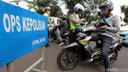 Polisi Tindak 44.489 Pelanggar Lalu Lintas Selama Operasi Ketupat