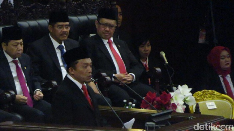 Fahri Hamzah Ogah Amini Doa Tifatul Soal Gemukkan Jokowi