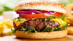 Makan adalah cara untuk menghilangkan rasa lapar, tapi dengan mengonsumsi makanan ini bisa jadi kamu justru mengalami perut keroncongan lagi lho.