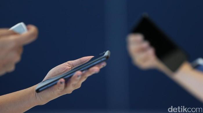 LG memperkenalkan smartphone terbaru untuk pasar Indonesia bernama LG Q6. Salah satu fitur yang diandalkannya adalah pemindai wajah.