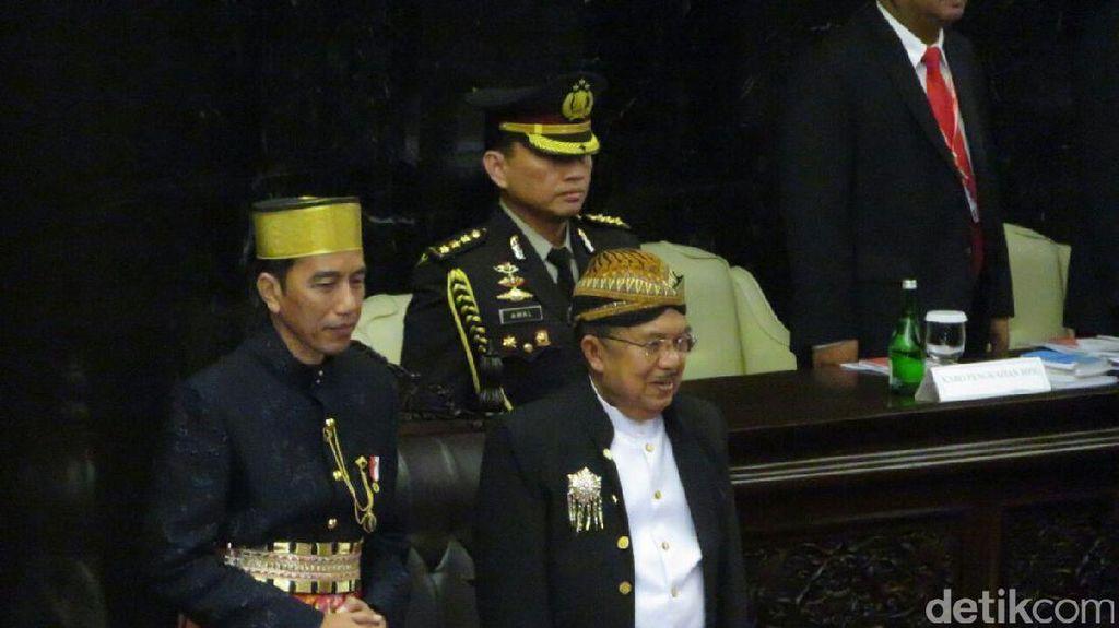 Rakyat Papua Dulu Beli BBM Mahal, Jokowi Pastikan Sekarang Tidak Lagi