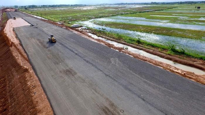 Seksi 1 dari ruas tol Palembang-Indralaya sepanjang 7,75 km diproyeksi bakal operasi pada September 2017 mendatang. Saat ini progres fisik telah mencapai 95,16% dengan pengadaan tanah telah 100%.