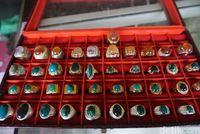 Cincin Batu Bacan Produksi Pulau Bacan (Wahyu/detikTravel)
