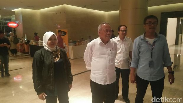 Menteri Basuki tiba di acara Indonesia Happy /