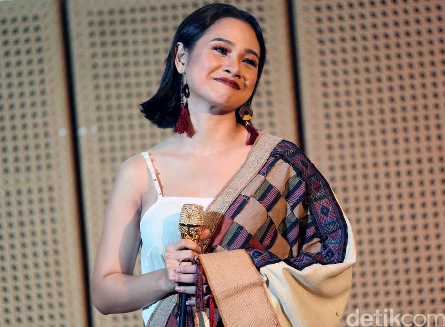 Andien Ajak Kawa saat Launching Video Klip Baru