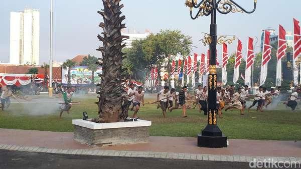 Penurunan Bendera di Grahadi Diwarnai Pertempuran 10 November