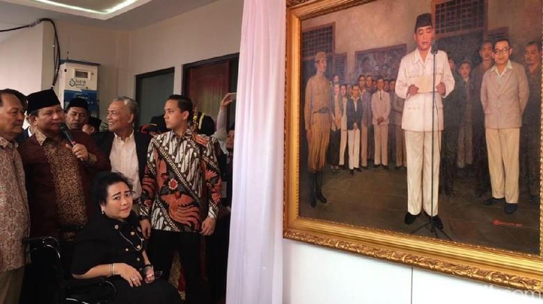 Prabowo Hadiahkan 2 Lukisan Bung Karno untuk Rachmawati