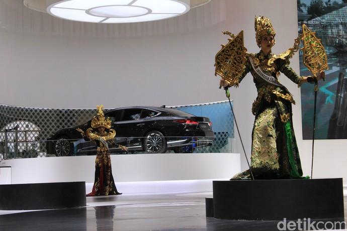 Lenggok Puteri Indonesia Kenalkan Budaya Indonesia