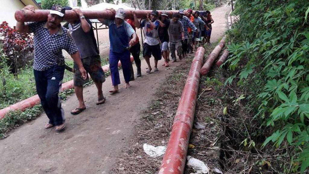 Foto : Perjuangan Memerdekakan Pelosok Kalimantan dari Gelap Gulita