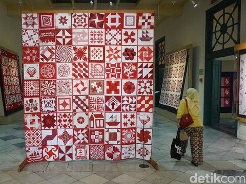 Kain '72 Merah Putih' karya 72 quilter.