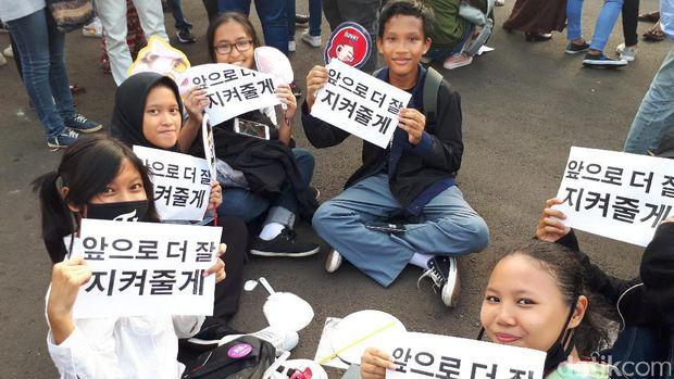 Penonton Countdown Asean Games Mulai Padati Pintu Monas