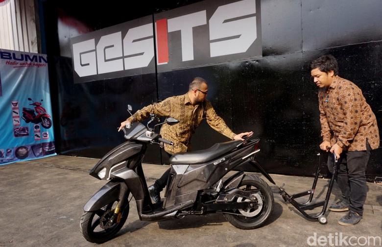 Gesits, Motor Listrik Karya Anak Bangsa Siap Diproduksi Massal (Foto: Rachman Haryanto)