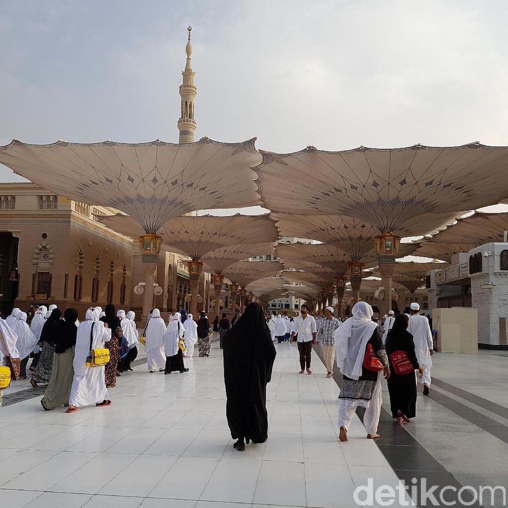 Jemaah Haji Mulai Serbu Masjid Nabawi