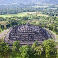 Ilustrasi destinasi wisata di Indonesia, Candi Borobudur