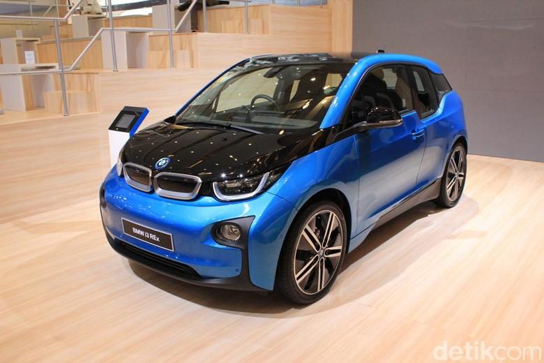 Mobil listrik BMW i3. Foto: Rangga Rahadiansyah