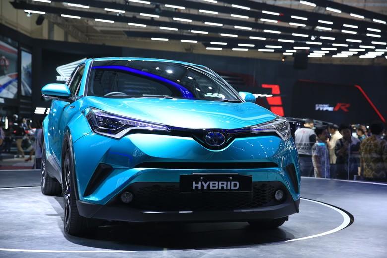 Mobil Hybrid Toyota C-HR. Foto: Rendi Herdiansyah
