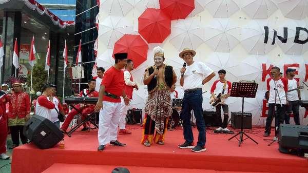 Serunya Menkum Yasonna Gelar Kuis Berhadiah Sepeda ala Jokowi