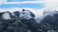 Kesulitan Mendaki Es Abadi Indonesia