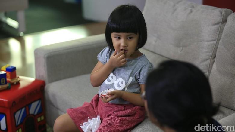 Cara Aman Ngomong ke Anak Soal Berat Badannya yang Berlebih/ Foto: M. Zaky