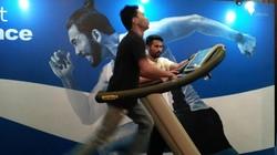 Atlet lari jarak jauh Indonesia, Agus Prayogo, memiliki pace atau tempo lari 3:20 menit/km. Kuat perapa lama ya, lari dengan kecepatan tersebut?