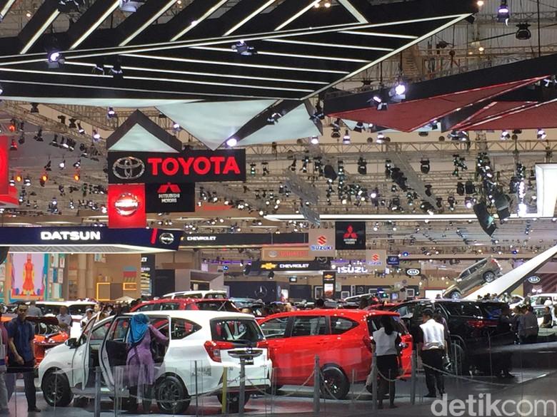 Suasana Booth Toyota di GIIAS 2017 (Foto: Dadan Kuswaraharja)