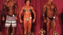 Josefina Monasterio tak mau menyerah oleh umur. Di usianya yang sudah 71 tahun ia masih aktif sebagai bodybuilder wanita di Florida, Amerika Serikat.