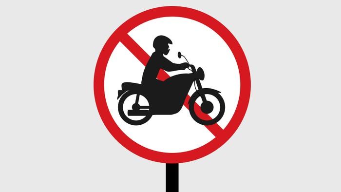 Otographics Larangan Sepeda Motor di Jalan Protokol