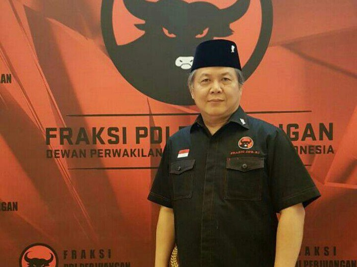 wakil ketua F-PDIP Hendrawan Supratikno