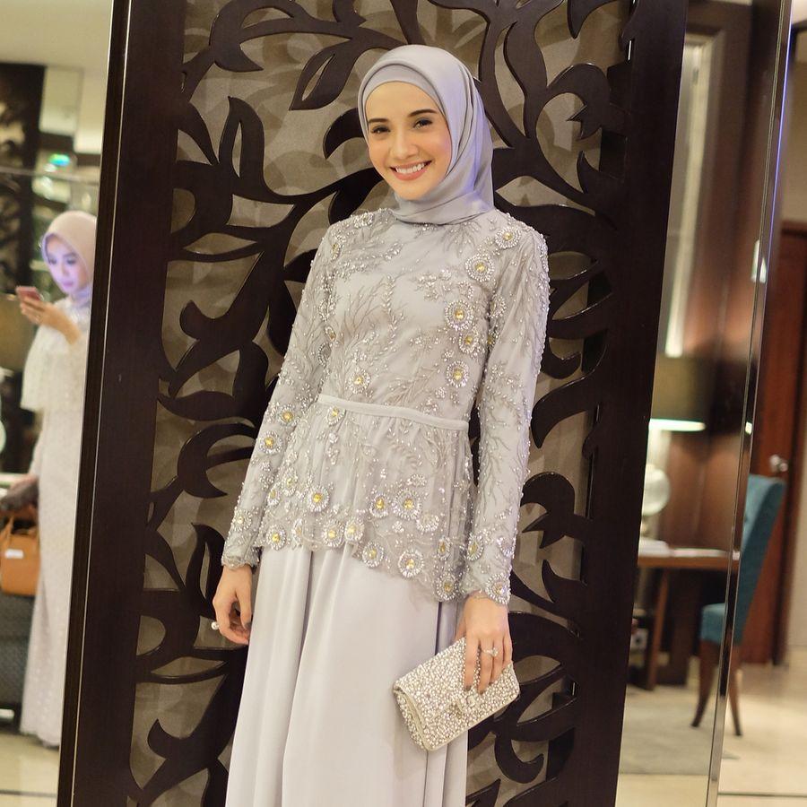 Artis Hingga Selebgram Cantik Di Pernikahan Medina Zein Adik Ayu