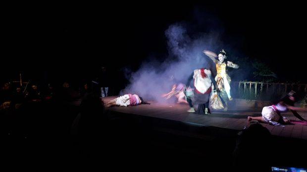 Kemping Sambil Nonton Pentas Sangkuriang di Bandung, Mau?