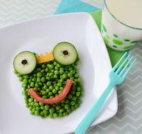Kacang polong yang dibentuk menyerupai katak.