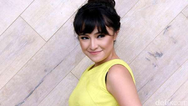 Beauty in Yellow! Marshanda Manis Banget Sih