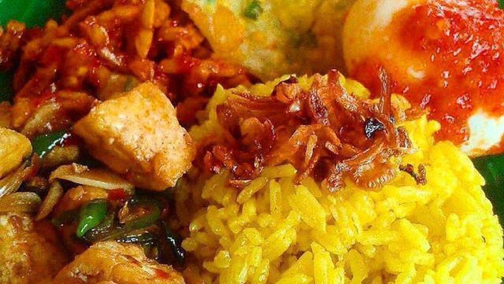 Masak Apa Hari Ini : Nasi Kuning dan Bola-bola Udang yang Gurih Enak