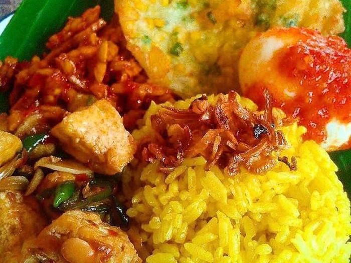 ragam nasi kuning nusantara