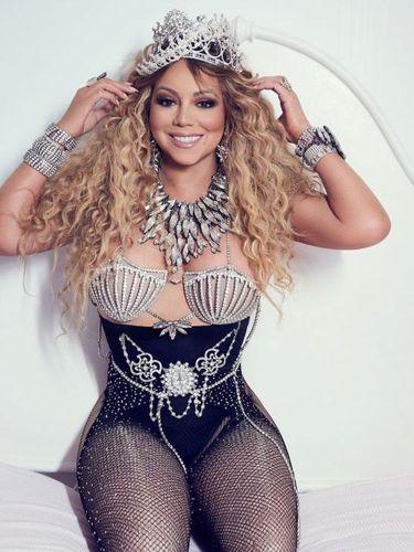Pose Seksi Mariah Carey Pakai Tiara Karya Rinaldy Yunardi