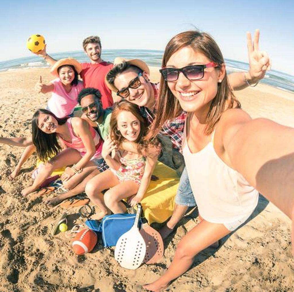 6 Tips Liburan Long Weekend Seru Bareng Sahabat