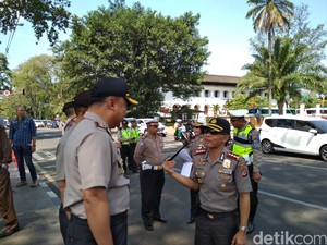 Sniper Siap Kawal Karnaval Kemerdekaan di Bandung