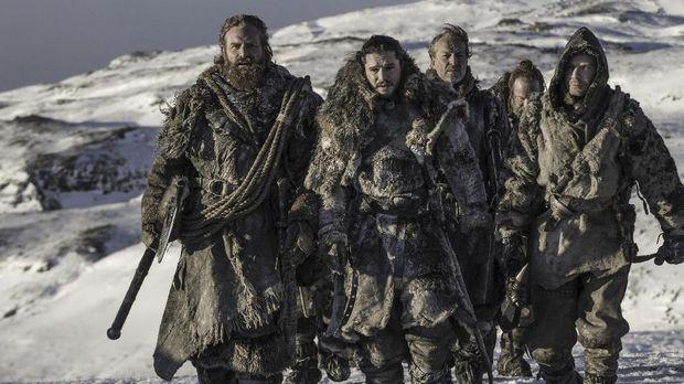 Jon Snow dan kawanannya.