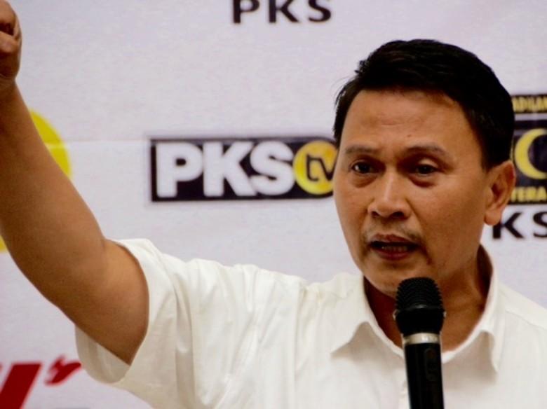 Dipolisikan, Ketua PKS Pertanyakan Latar Belakang Faizal Assegaf