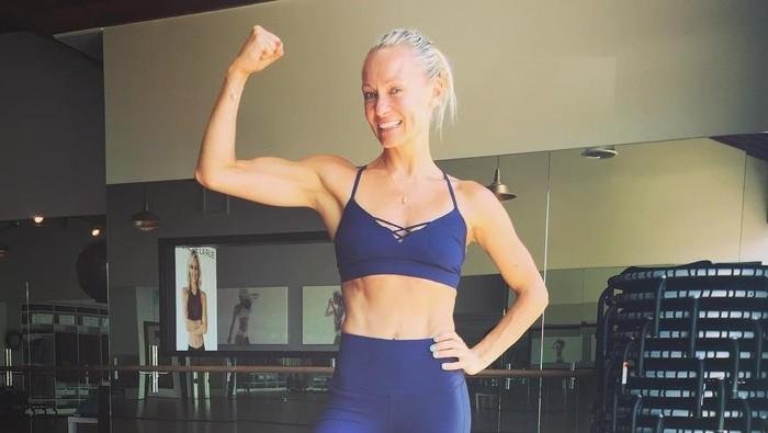 Nama Simone De La Rue mungkin terdengar asing. Padahal ia adalah personal trainer ternama dengan klien para selebritis Hollywood. Simak selengkapnya di sini: (Foto: instagram/bodybysimone)